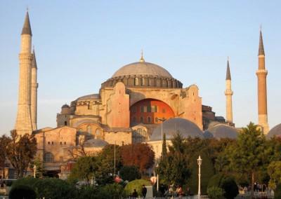 Basílica de Santa Sofia, Constantinopla, 532-537.