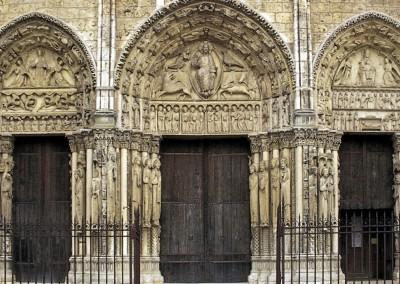Catedral de Chartres. França, 1145-1194.