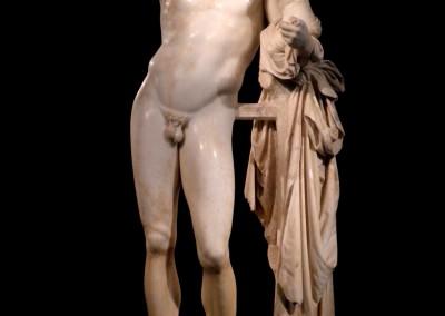 Praxíteles. Hermes com o pequeno Dionísio, 350 A.C.