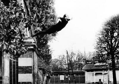 Klein, Yves. Salto no vazio, 1960.